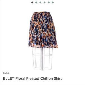 NWOT Elle Pleated Floral Skirt